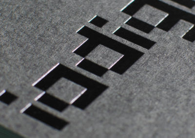 Foil and duplex business cards exude quality look and feel